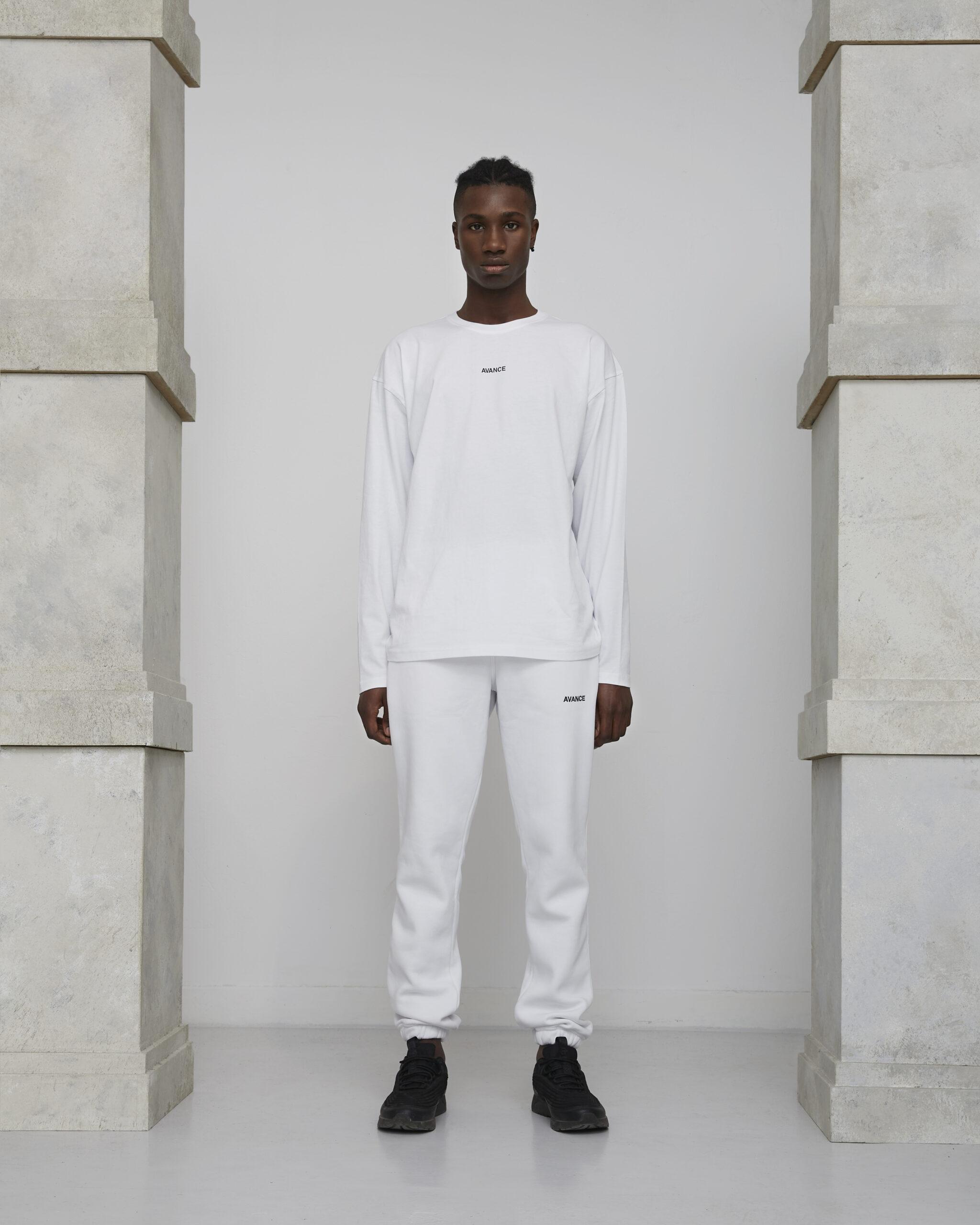 Avance longsleeve white